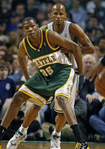 Superstar Kevin Durant (35) was the second overall pick in 2007 of the SuperSonics, who became the Thunder.